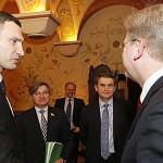 Klitschko und EU-Kommissar Füle trafen sich zu einem Arbeitsessen